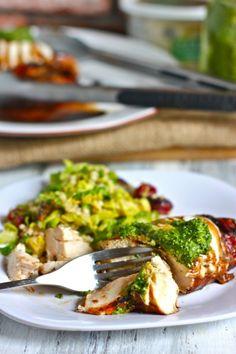 grilled balsamic chicken w. mozzarella & pesto.