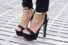 street fashion, hot shoes, killer heel, style, black heels, sandals, black gold, gold accents, haute couture
