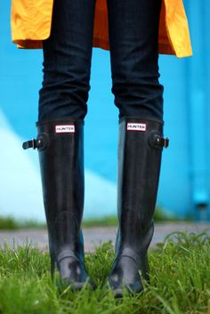 I want a pair of Hunter rain boots SO bad!