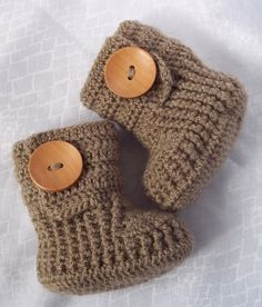so cute!! crochet baby booties!!