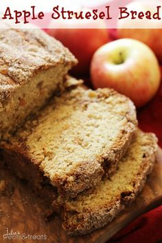 Apple Struesel Bread ~ Quick and Easy Bread Loaded with Apples and Cinnamon! @julieseats