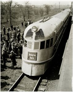 1939 Burlington Zephyr, futuristic train streamlined streamliner aerodynamic railroad locomotive