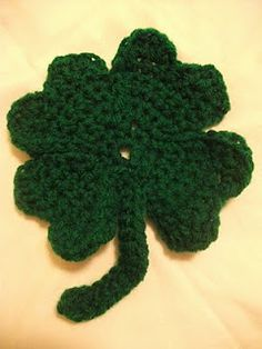 Crochet Shamrock Pattern i like this one and her printables are cute too