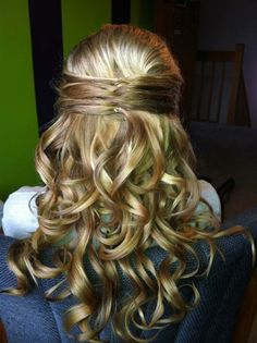 Half up hair style. Very pretty for a wedding or party