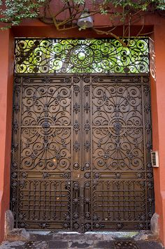 The Doors of Mexico City by rhyndman,