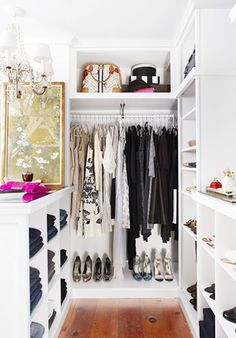 The 5 Most Essential Items For an Enviable Closet via @domainehome