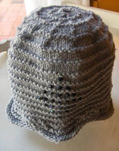 Free Knitting Pattern for a One Ball Cloche.  Perfect for last minute holiday gifts!