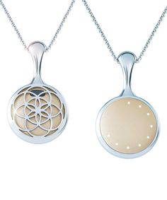 Monitor your daily activity with this eye-catching Shine necklace.
