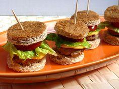 Mini Turkey Burgers for Summer Parties- Bite Size Appetizers- Burgers- Kid Sized Food- Healthy Burgers- Turkey Burger Recipe | Ziggity Zoom