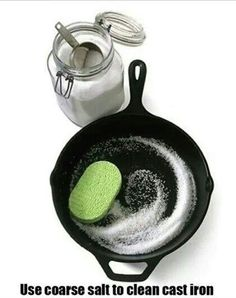 cleaning cast iron skillet