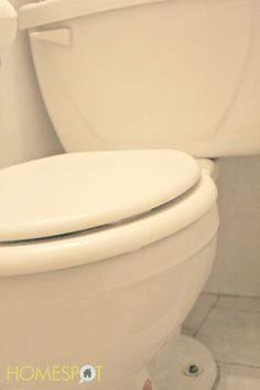 Toilet maintenance: a simple trick to clean the siphon jets so that the bowl stays cleaner for a lot longer.