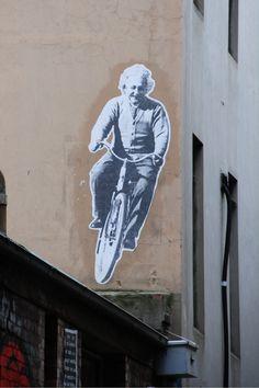 Einstein bike street art #bici