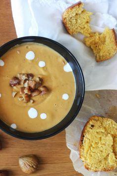 Velouté de courge butternut-châtaignes-lait de coco et pain au maïs