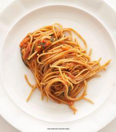 Spaghetti Pomodoro PER SERVING: 277 calories 6.5g fat