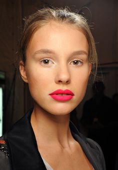 hot pink lip