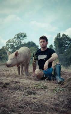 "Image of *LIMITED EDITION* GUYS JOHN BARTLETT + FARM SANCTUARY ""AMBASSADOR COLLECTION"" PIG TEE"