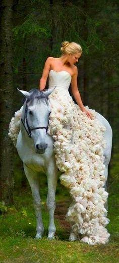 #wedding #weddingdress #gowns #bride #bridal #fashion #design #womensfashion