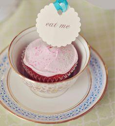 cupcakes in tea cups!