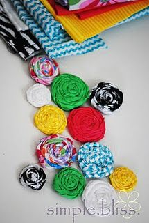 Fabric Flowers DIY.. we have already started making these!!!! Flower Making, Baby Headbands, Hair Clips, Fabric Flowers, Scrap Fabric, Flower Tutorial, Hair Accessories, Fabric Scraps, Roll Rosett