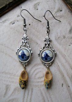 Dutch Delft blue earrings