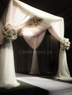Gorgeous Chuppah from Celebrationz Inc in Toronto #jewish #wedding www.themodernjewishwedding.com