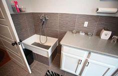 """""""pet room"""" bathing station - Mud Room"""