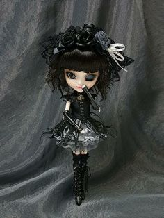 Pullip #Gothic Lolita Yuki Normal Wink Doll large