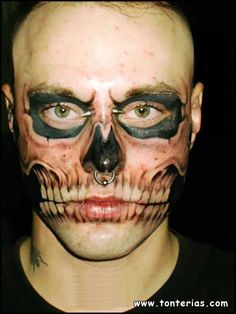 Skull tattoo, OK, not so pretty, but I can't stop looking at it.