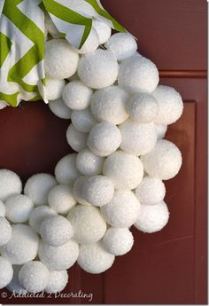 DIY Winter Snowball Wreath