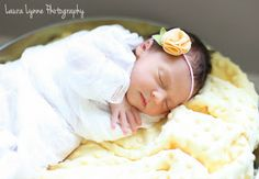 Newborn photo pose #girl #newborn
