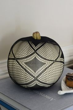 Cool DIY pumpkin - cover with patterned pantyhose! carving pumpkins, pumpkin decorating, white pumpkins, diy pumpkin