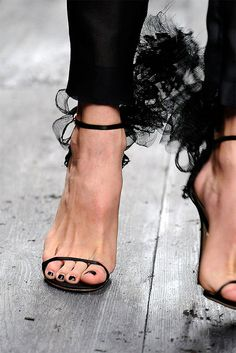 lace, fashion shoes, fashion chic, girl fashion, black shoes, black heels, sandal, girls shoes, valentino shoe