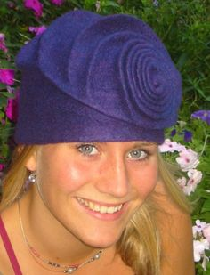 Julia Rossi: Fieltro sombreros