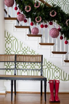 Modern Christmas styling. Love this.