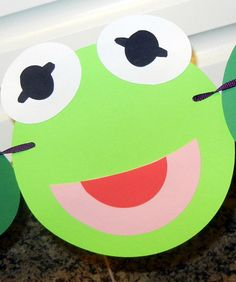 Kermit Inspired Happy Birthday Banner... we could definitely make something like this!