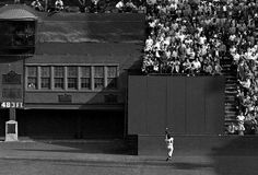 "Willy Mays Makes ""The Catch"" In The 1954 World Series"