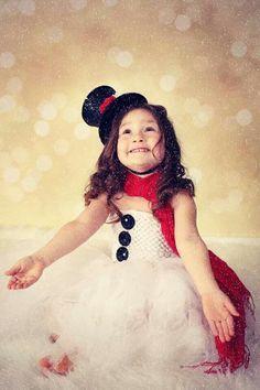 Winter photography snowman little girl lisa karr photography beloit wisconsin