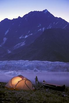 A tent, a canoe, and the mountains - does one need much more?