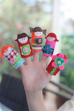 Felt finger puppets. search 'craft ideas' on SD