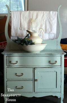 cottage instincts: ::Antique Wash Stand and Dry Sink:: Wash Stands, Little House, Painting Furniture, Dry Sinks, Half Bath, Vintage Life, Painting Dressers, Antiques Wash, Powder Rooms