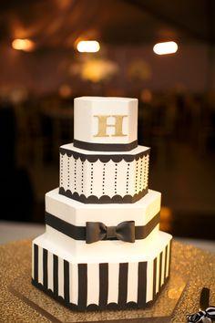 Elegant black and white monogrammed wedding cake.  Very nice! | by Sugaree | Heather Roth Fine Art Photography    ᘡղbᘠ