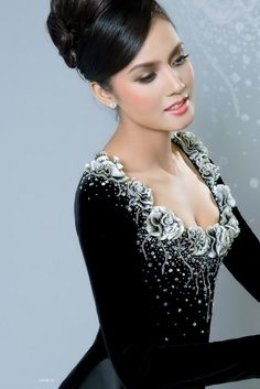 Áo dài quý bà - CM323 | Lady in black, special dress with custom neck made by flowers detail :)