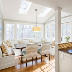 Banquette Design Ideas, Pictures, Remodel, and Decor - page 34