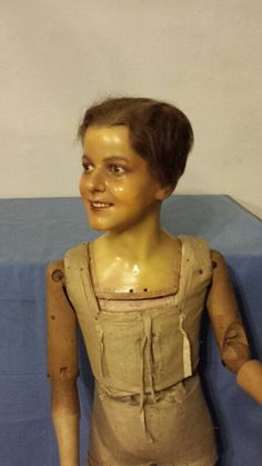Amazing. It looks like a woman wearing special makeup, but it's not. !! WAX DOLL END 1800 mannequin