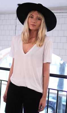 fashion, cloth, white tee, look black tee shirt, hat hair, slouchi tee, blond, black white, rock style