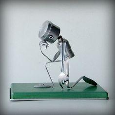 recycled art sculptures | Tebowing robot recycled art sculpture kitchen robot by leuckit robots diy, robot recycl, diy robots, sculpture love, robot inspiration, art sculptures, diy sculpture, recycled art sculpture