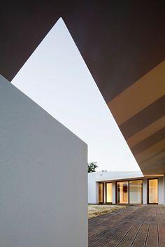 Eduardo Trigo de Sousa, ComA, Architecture and Design — Miraventos House