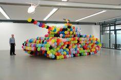 Hans Hemmert hot air, artists, make art, balloon tank, peace, sculptur, balloons, panthers, tanks