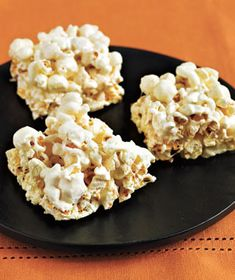 Marshmallow popcorn bars // #dessert #marshmallow // these are SO easy to make and SO addicting. like rice krispie treats with a twist.
