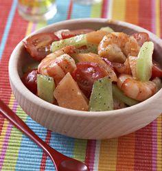 Salade de crevettes, melons et tomates